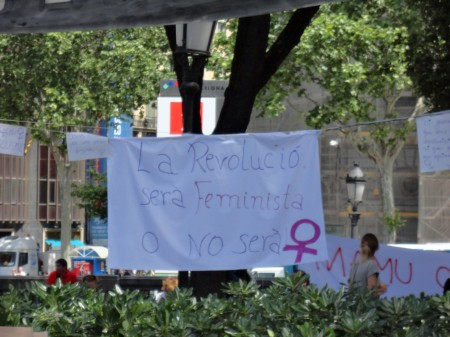 Manifest Feministes Indignades a pl.Catalunya - v2, 22/5/2011