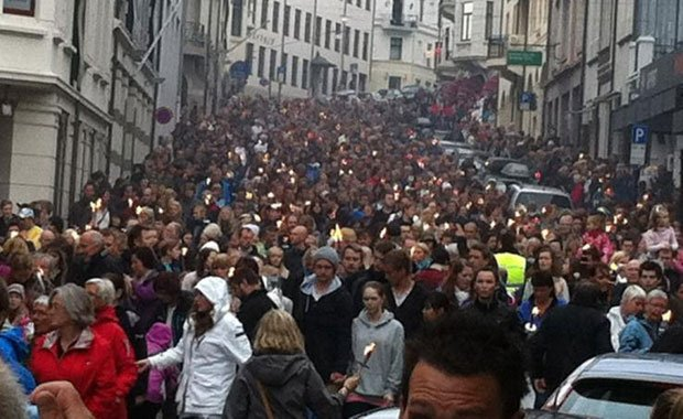 Ca la Dona: Noruega al cor, contra el racisme i al xenofobia. Concentració 28J: Pl.Sant Jaume, bcn, 19h