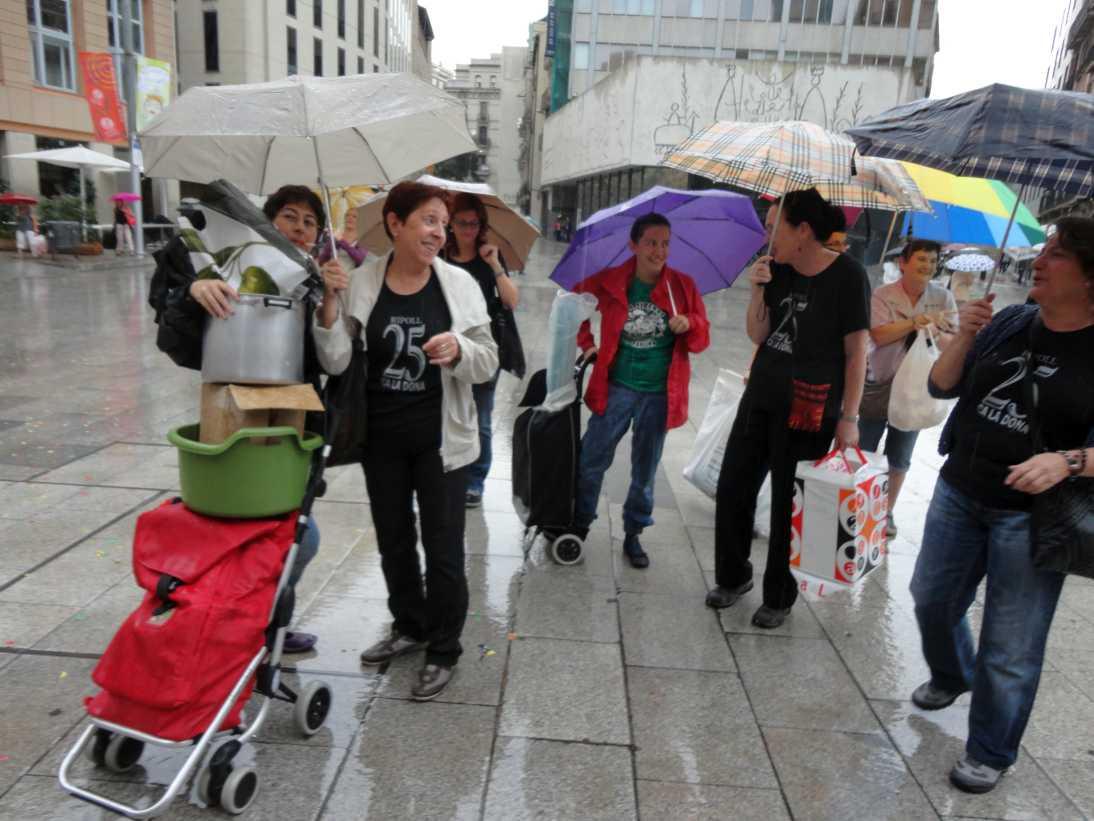 La pluja frusta la trobada de Ca la Dona a les festes de la Mercè