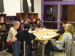 foto d'un grup reunit....xarxa de dones per la salut