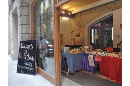 23 04 :: dragues i llibres a Ca la Dona (i necessitem activistes i llibres)